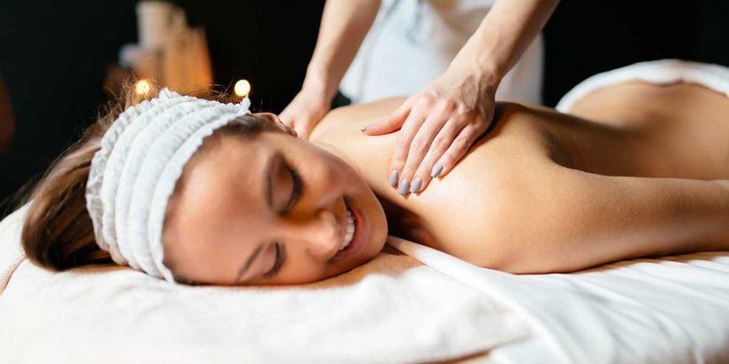 Eine Sinnliche Weibliche Massage Ist Entspannend